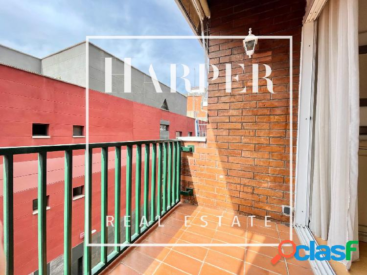 Piso de 3 Habitaciones con Balcón y Parking en Les Corts