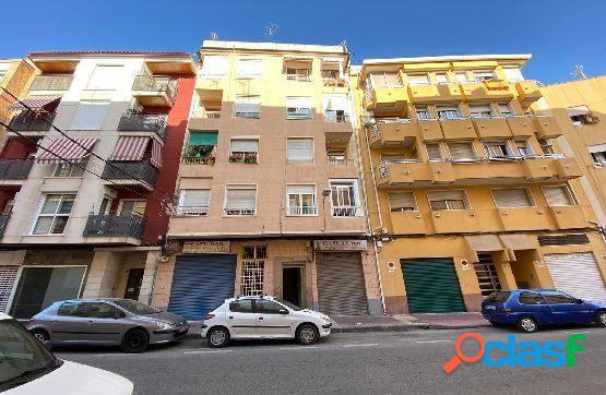 Piso de 3 dormitorios en Barrio del Carmen. *Sin comisión*