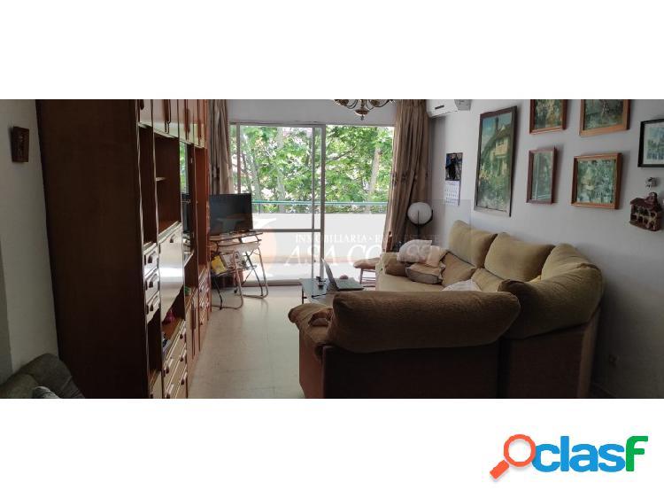 Piso de 3 dormitorios en venta en zona céntrica de