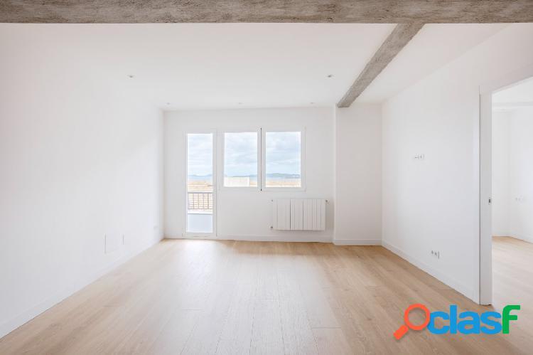 Piso de 3 dormitorios, recién reformado, con terraza y