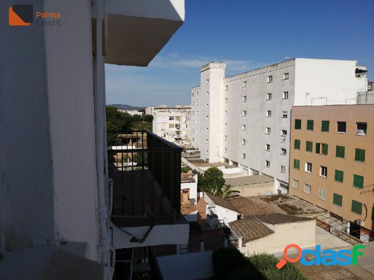 Piso de 3 habitaciones en Calle Baladre para Reformar