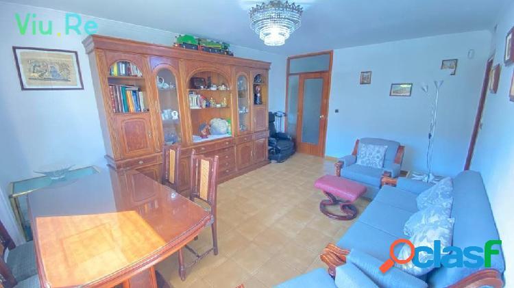 Piso de 3 habitaciones en el centro de Badia