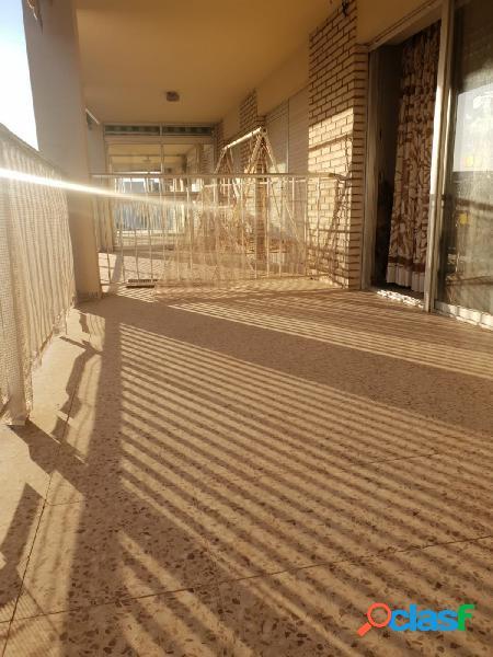 Piso de 4 dormitorios en la Avenida de Cervantes