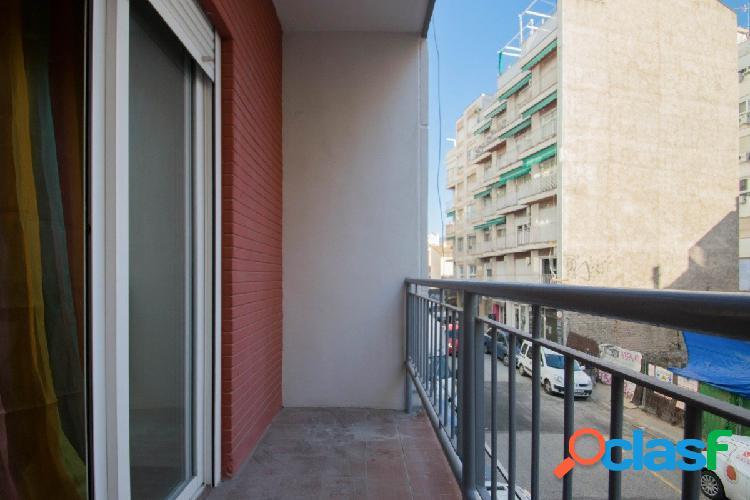 ¡¡¡Piso de 4 dormitorios en zona centro Granada, no lo