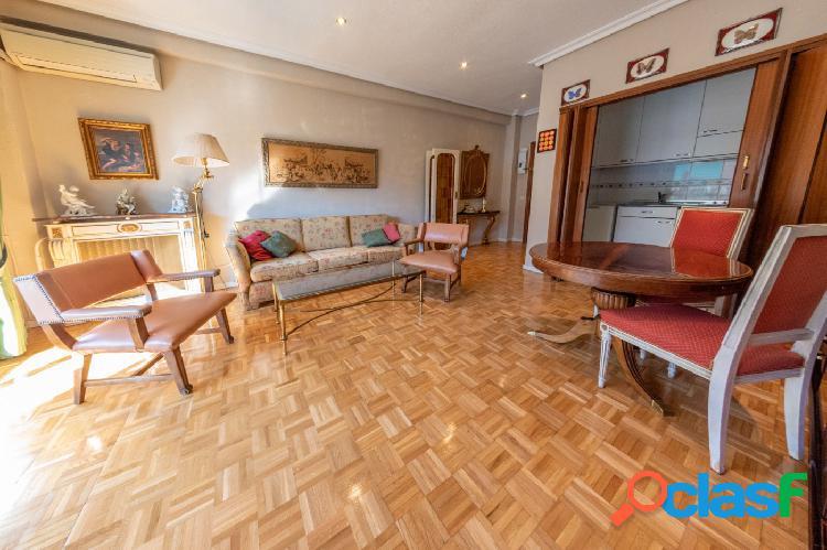 Piso de 55 m2 en calle Constancia, exterior, con terraza,