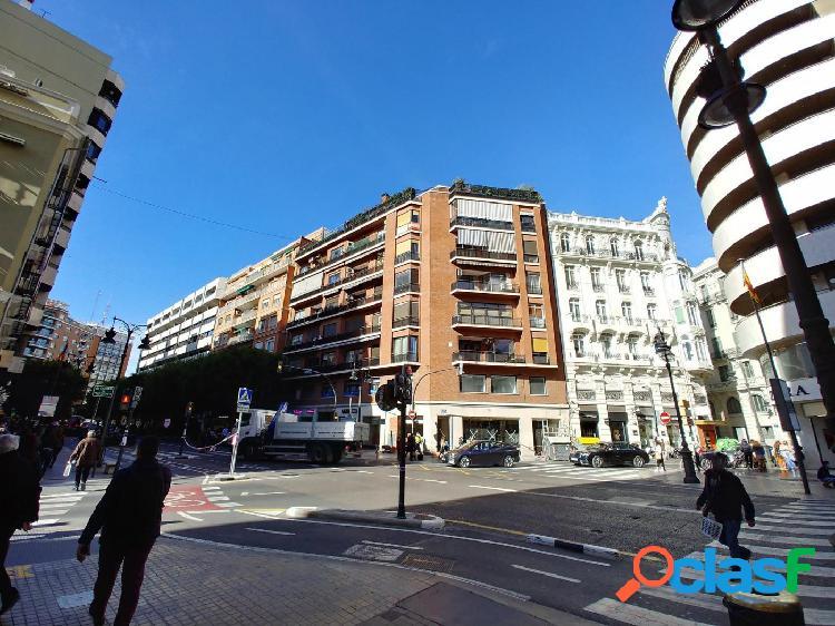 Piso de 5H y 3B en pleno corazón de Valencia