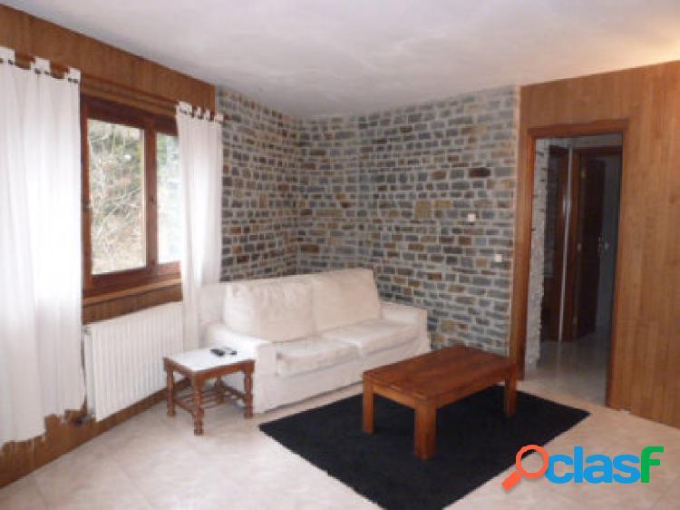 Piso de 74 m2, situado en Encamp. Consta de 2 habitaciones