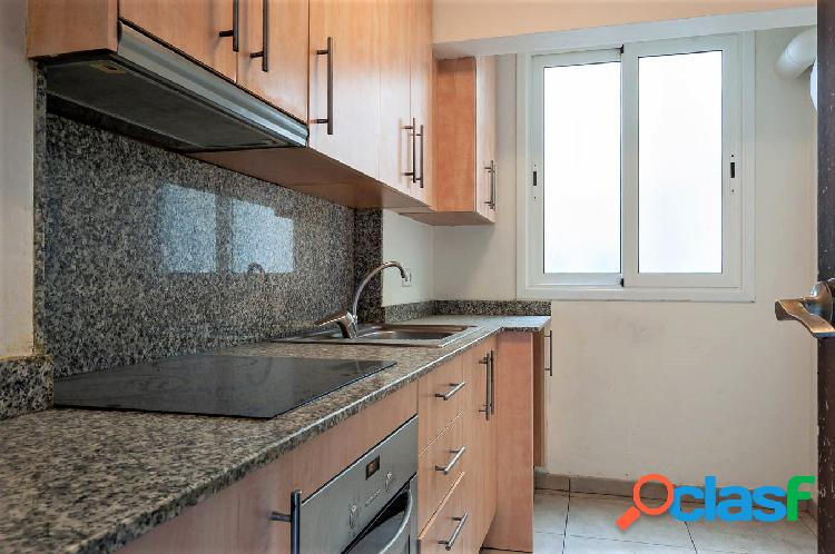 Piso de tres habitaciones en Figueres