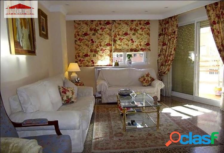 Piso en venta 4 dormitorios 2 baños garaje zona Baños