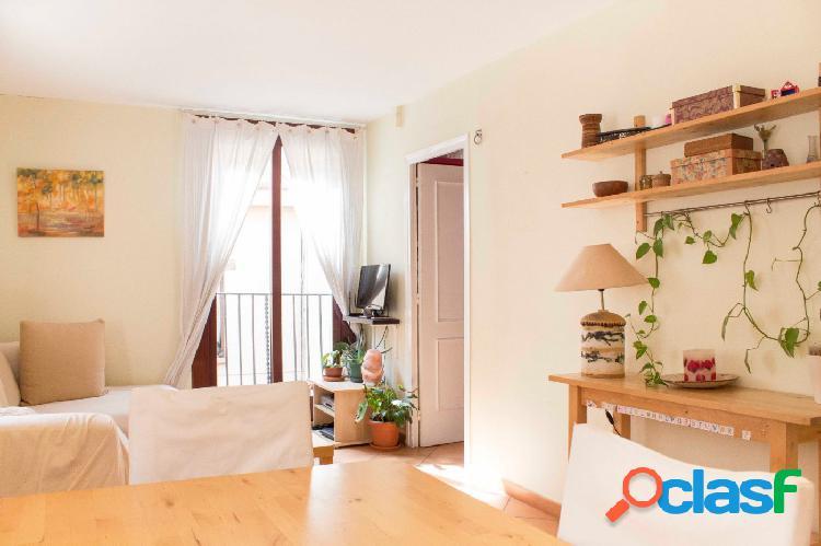 Piso en venta de 69m2 con 3 habitaciones en El Gòtic,