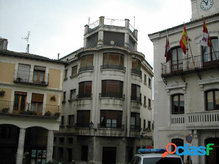 Piso en venta en Calle San Pedro de Cuéllar. Ref. 1206