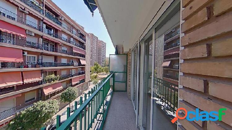 Piso en venta junto Parque Central de Valencia