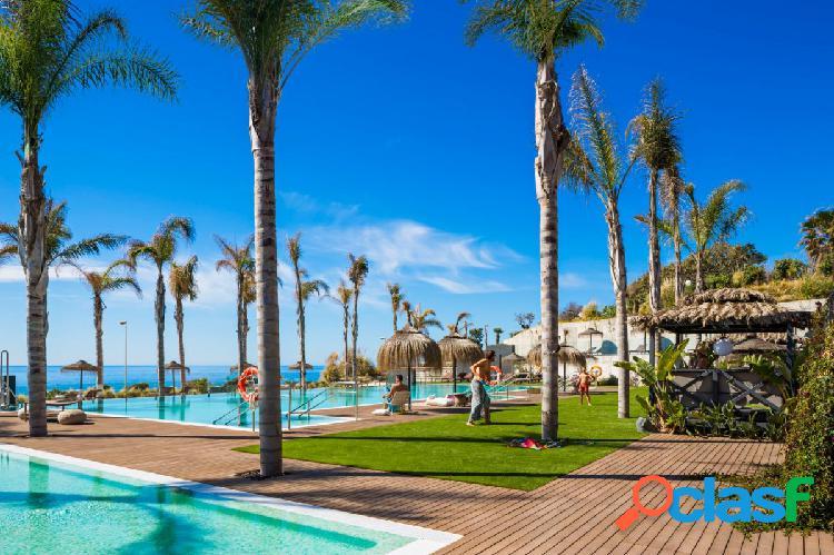 Planta Baja de 3 dormitorios a pie de playa en Mijas desde