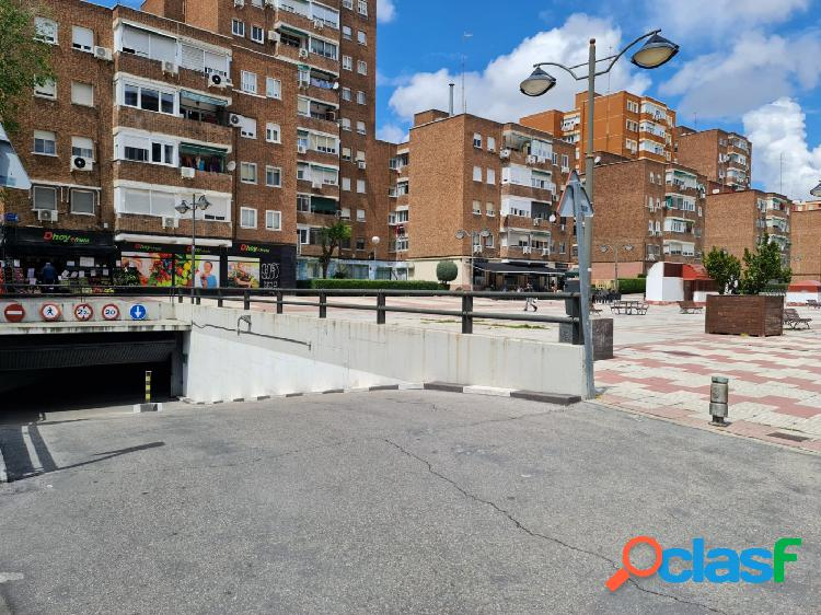 Plaza de garaje en venta en Zarzaquemada, Leganés