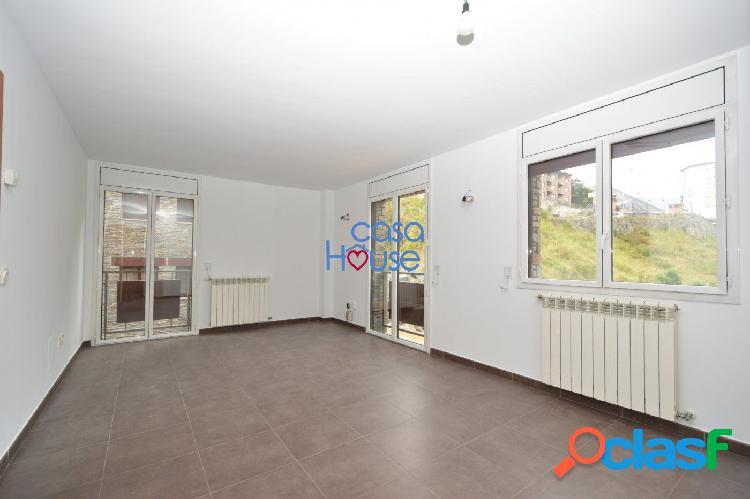 Práctico piso en zona céntrica de la Massana