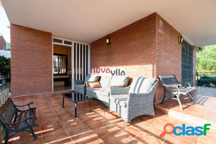 Preciosa casa en Albarrosa a 4 vientos con piscina