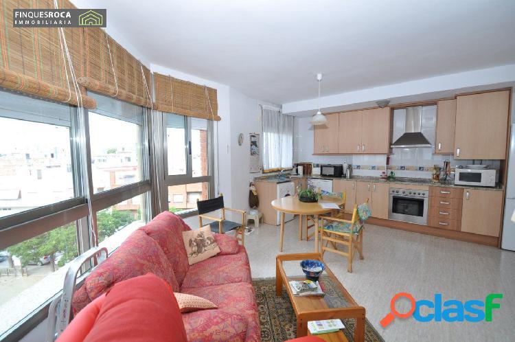 Precioso Apartamento Esquinero de 2 Dormitorios Dobles para