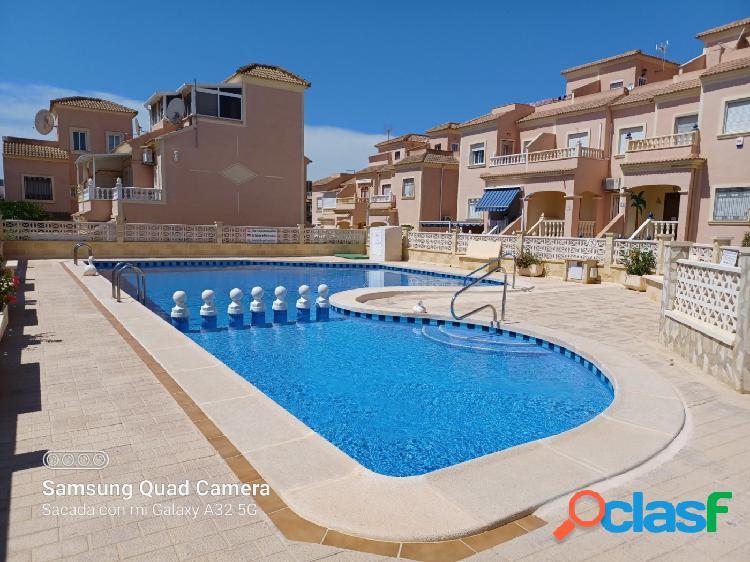 Precioso chalet de 3 habitaciones con piscina y garaje en
