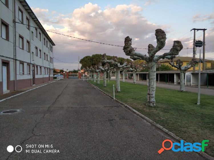 SE VENDE APARTAMENTO AMUEBLADO, 60 M2, 2 HAB., SALÓN,COCINA