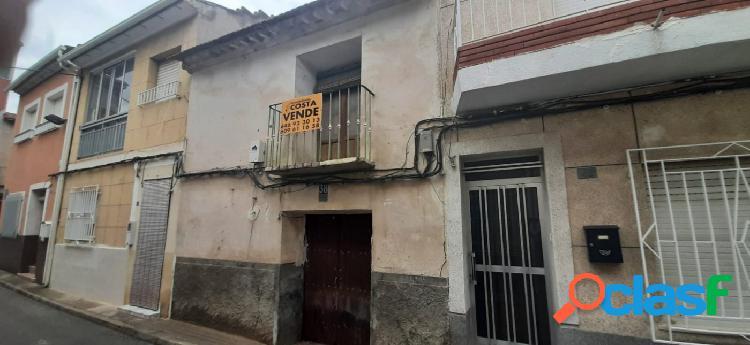 SE VENDE CASA DE PUEBLO EN LA PEDANIA DE LA RAYA.