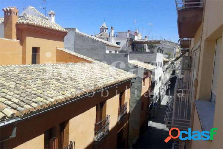 Se alquila Piso en el centro de Granada