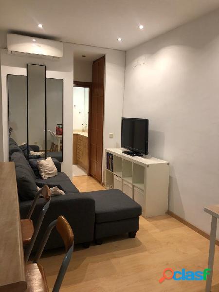 Se alquila bonito apartamento amueblado en la calle general