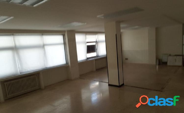 Se alquila gran oficina en pleno centro de Salamanca,