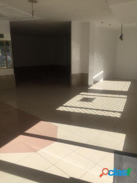 Se alquila local comercial en centro de Salamanca