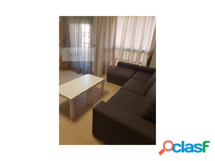 Se alquila piso en el centro de Murcia