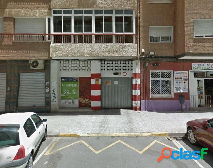 Se vende amplia plaza de garaje frente al Rosell y Carrefour