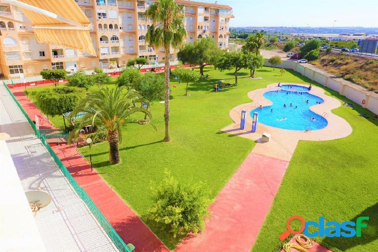 Se vende apartamento con vistas a piscina!!