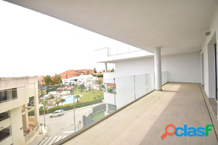Se vende apartamento con vistas al mar en Fuengirola