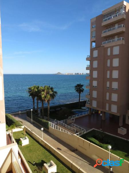 Se vende apartamento en La Manga del Mar Menor en 1ª línea