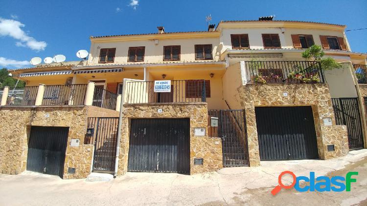Se vende casa adosada en la Vall de Almonacid
