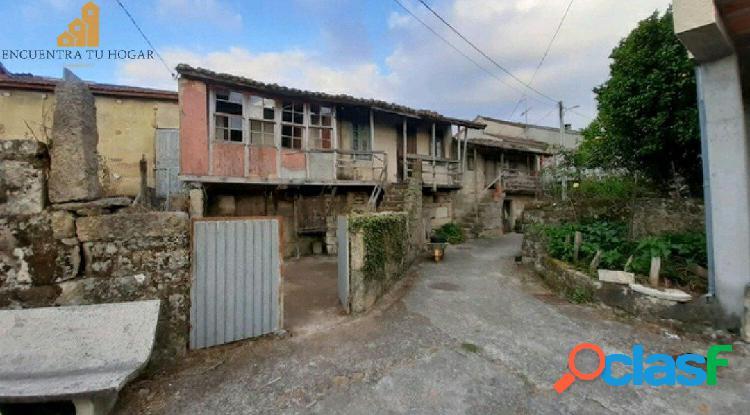 Se vende casa de piedra en Amoeiro, Ourense.