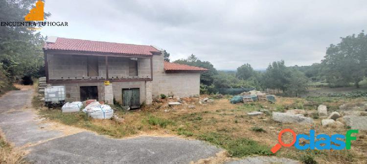 Se vende casa rustica con finca en Palmes, Ourense.