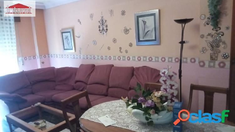 Se vende piso de 115 m. en la zona del Pilar C/ La Roda