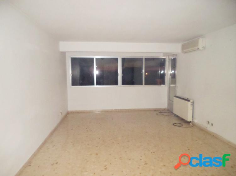 Se vende piso de 3 dormitorios y 1 baño en Alcazar de San
