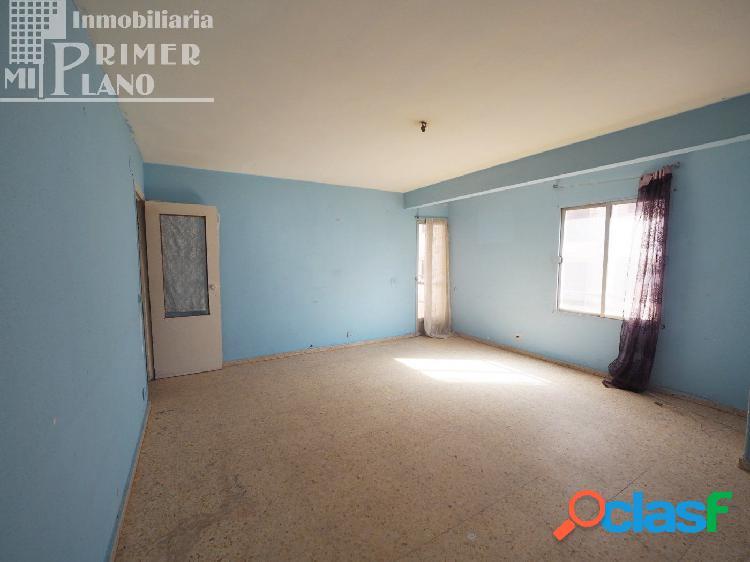 Se vende piso de 4 dormitorios en pleno centro de Tomelloso