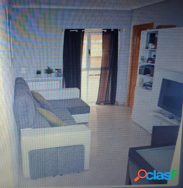 Se vende piso en zona Altozano.