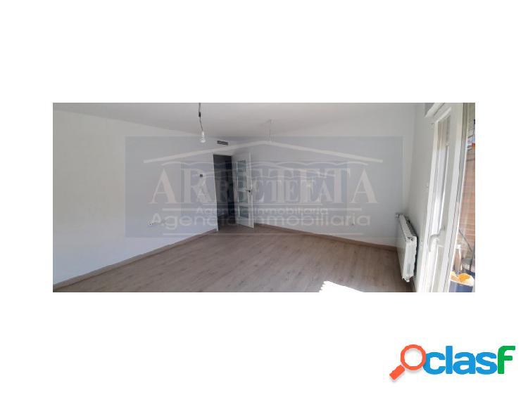 Se vende piso totalmente reformado en zona de la Amistad,