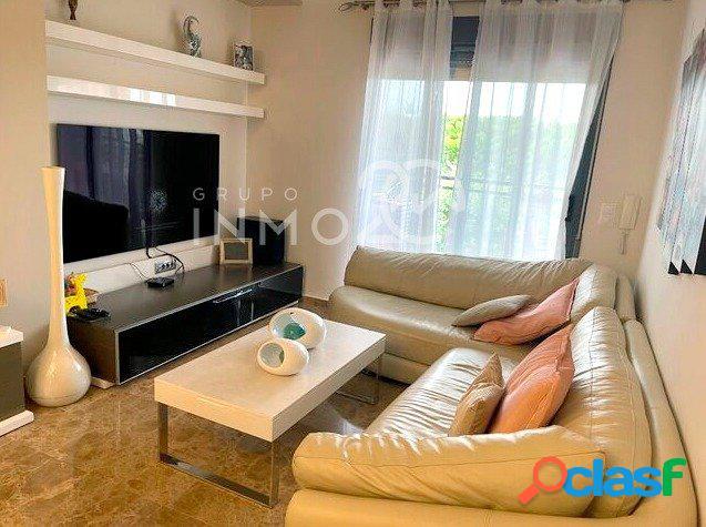 Se vende precioso piso en Sedaví