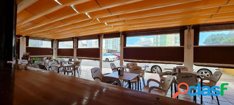 Se vende un Bar en la Urba de Roquetas de Mar