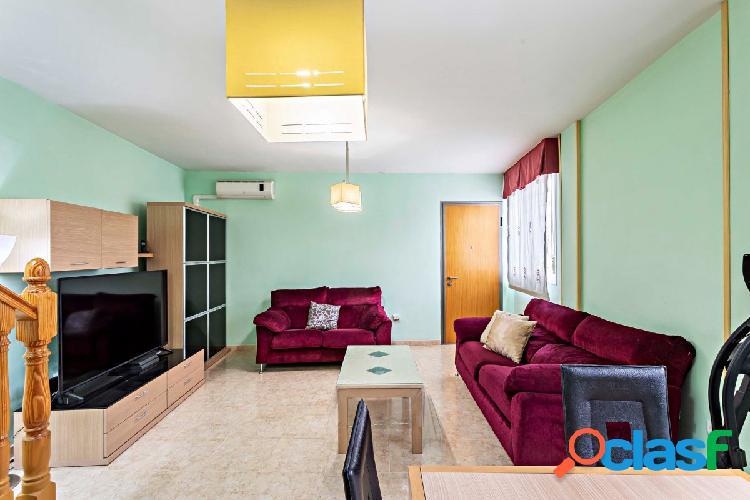 TRIPLEX de 4 dormitorios en zona NUEVA de Pechina.