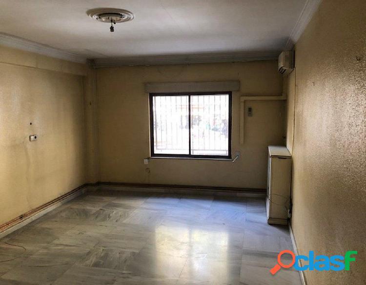 Urbis te ofrece un piso en venta en el centro de Madrid.