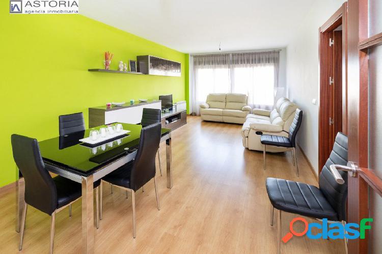 VIVIENDA EXCLUSIVA EN LA ZUBIA!! Se trata de un piso que