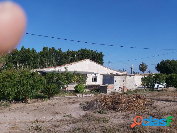 Vendo casa de campo y terreno en La Hoya (Elche)