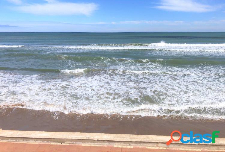 Venta chalet en primera línea de playa, El Pouet, El