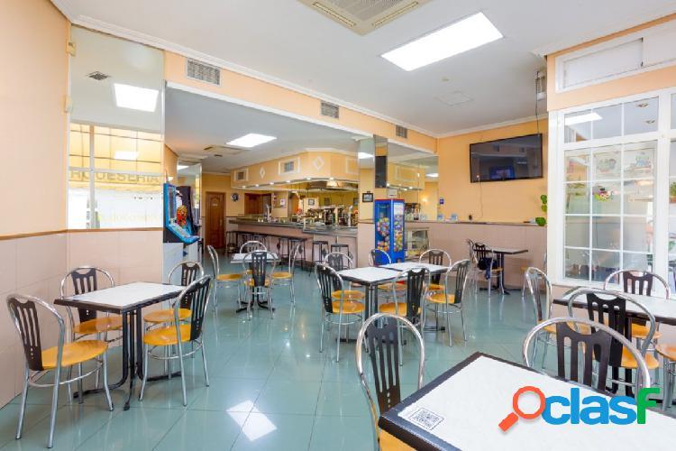 Venta de Cafetería Hamburguesería en el centro de San