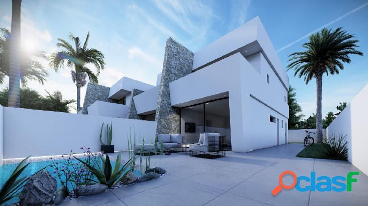 Villa adosada con piscina privada cerca de la playa en San